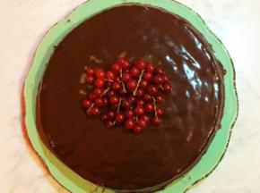 Torta alle mandorle con ganache di cioccolato fondente al pepe nero