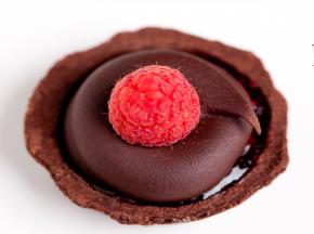 Crostatine alla frutta con mousse al cioccolato
