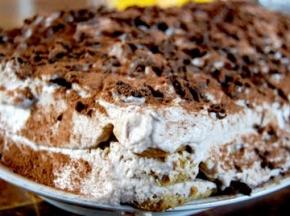 Tiramisù al cioccolato morbido e fresco (senza uova!)
