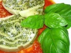 Rotolo di pasta con spinaci e ricotta