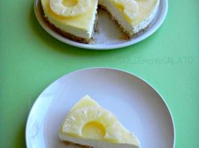 Cheesecake al cioccolato bianco e ananas
