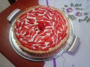 Crostata con fragole e crema chantilly
