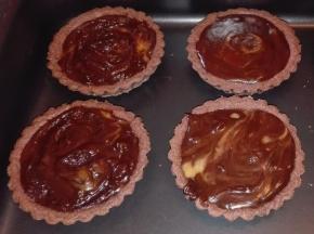 Tartellette al caramello e cioccolato