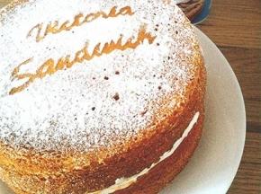 Victoria Sandwich Cake (classic)