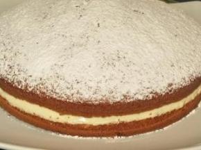 Torta paradiso con crema pasticcera.