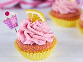 Cupcake al limone con frosting alla fragola