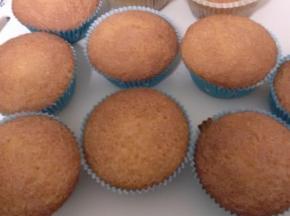 Muffin con farina di riso e gocce di frutti di bosco