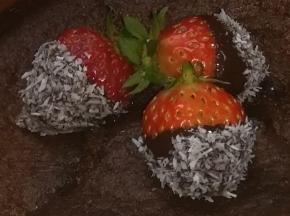 Fragole bagnate nel cioccolato