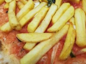 Pizza con patatine!