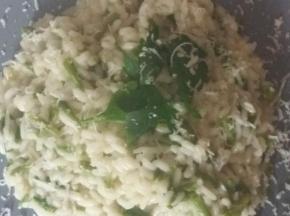 Risotto asparagi erba cipollina e taleggio