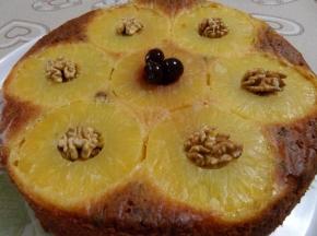 Torta all'ananas e noci
