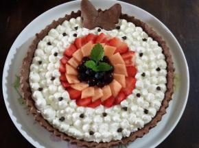 Torta al cacao con frutta e mascarpone