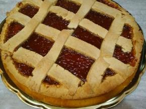 Crostata con marmellata di prugne