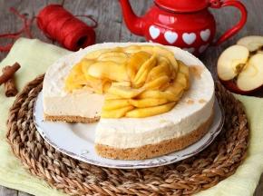 CheeseCake alla cannella con mele caramellate