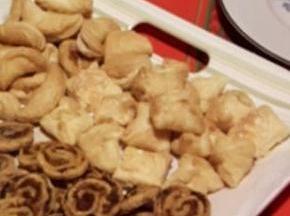 Antipasto: fagottini di sfoglia al formaggio