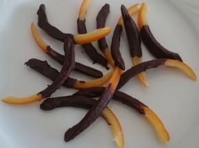 Scorze d'arancia candite con cioccolato