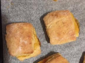 Panini di pasta frolla con marmellata