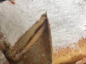 Torta soffice con confettura di albicocche