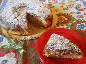 Torta al mascarpone e marmellata di ciliegie