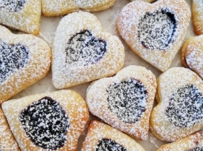 Biscotti ripieni a cuore