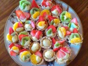 Crostatine alla crema e frutta