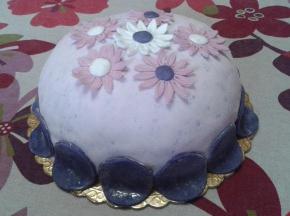 Torta al baileys decorata