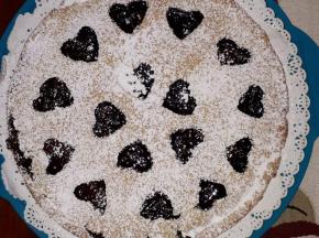 Crostata con crema pasticcera e confettura