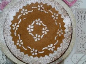 Torta al caffè decorata