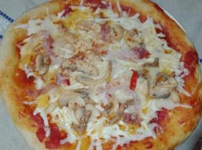 Pizza con funghetti