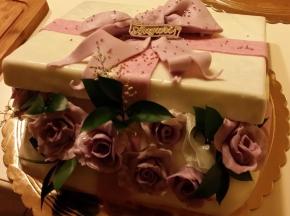 Torta di compleanno: scatola a sorpresa