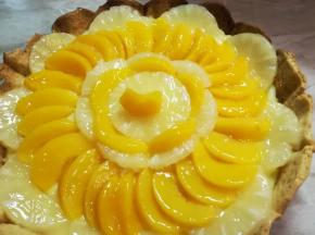 crostata crema pasticcera pesche e ananas