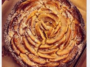 Crostata al cacao con crema di mascarpone e mele