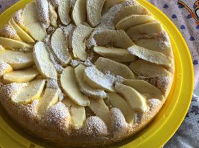 Torta di mele 🍎 con crema gialla!