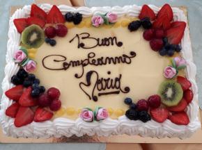 torta di compleanno 2019 nonna Maria: pan di spagna con chantilly e frutta fresca