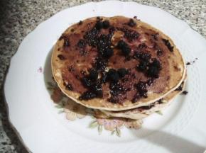 Pancake alla marmellata di more