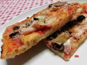 Pizza in teglia alta idratazione