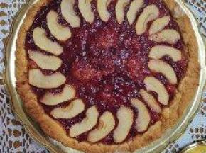 crostata con confettura di prugne e mele