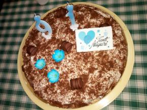 Torta di compleanno al cioccolato e panna