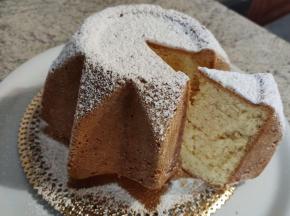 Finto pandoro (chiffoncake)