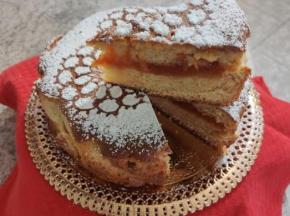 torta versata alla marmellata