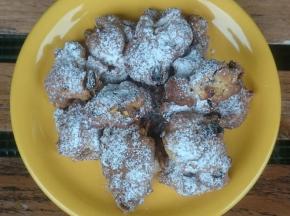 Biscotti con mele e uvetta