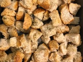 Crostini croccanti di pane
