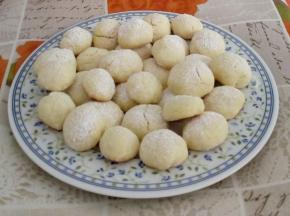 Biscotti morbidi aromatizzati alla mandorla