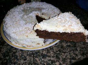 Torta al latte di cocco con mousse al cocco e cioccolato bianco