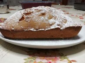 Plumcake con farina di farro, yogurt e canditi