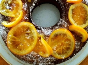 Ciambella con arance caramellate
