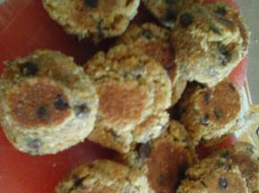 Biscottini agli amaretti e gocce di cioccolato