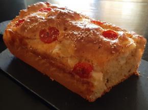 Plum cake salato pomodori secchi e scamorza