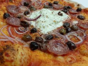 pizza salame e burrata