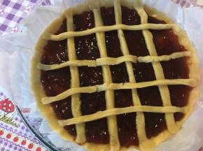 crostata alla confettura di fragole
